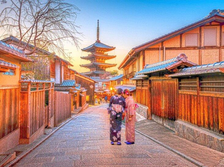 日本のストリートビューはHDR効果を使用しています